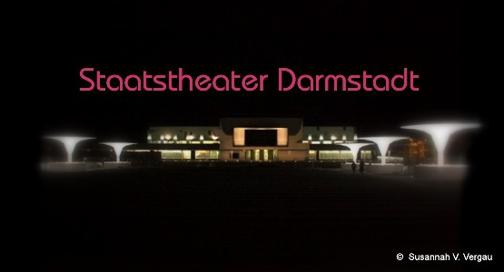 Staatstheater DA bei Nacht
