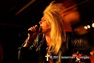 kissin' dynamite 10.05.2012 ffm. - foto: susannah v. vergau
